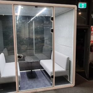 lPod (4 Person Meeting Booth)