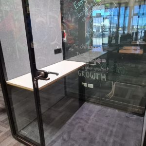 mPod (2 Person Meeting Booth)